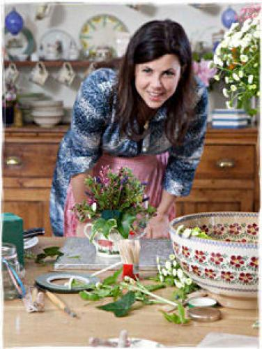 Kirstie's Handmade Christmas next episode air date poster